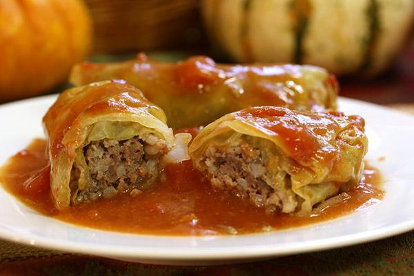 Laurie's Cabbage Rolls (16 rolls/tray)