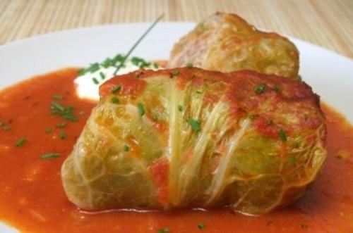 Laurie's Cabbage Rolls (5 rolls/tray)